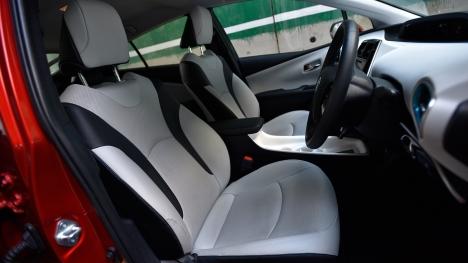 Toyota Prius 2017 1.8 Z8 Interior