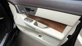 Jaguar-XF-2013-2-2-Diesel-Interior