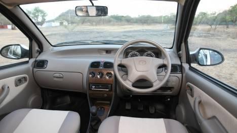 Tata Indica 2013 BS IV LX Comparo