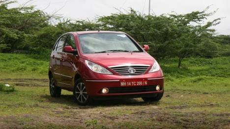 Tata Indica Vista 2013 Quadrajet 75 VX Tech Comparo