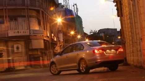 Volkswagen Jetta 2015 1.4L TSI (MT) Comfortline Comparo