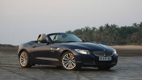 BMW Z4 2013 sDrive35i Design Pure Traction Comparo