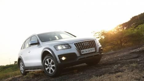 Audi Q5 2017 Diesel Std Comparo