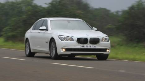 BMW 7 Series 2017 740Li  DPE Signature Comparo