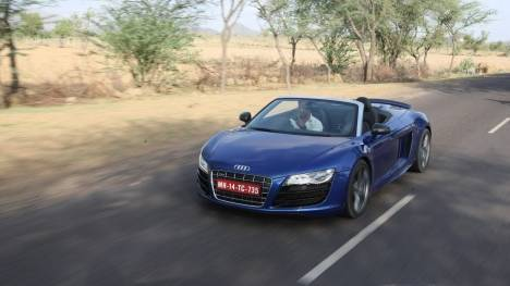 Audi R8 2016 LMX Comparo