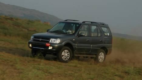 Tata Safari Dicor 2013 LX BS 4 Comparo