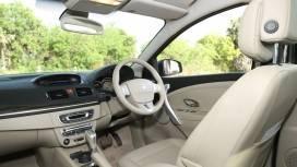Renault-Fluence-e4-2013-Petrol-Interior