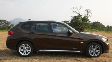 BMW X1 2017 sDrive20i xLine Exterior