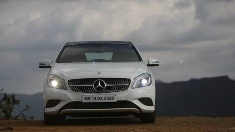 Mercedes-Benz A-Class 2016 A 200 CDI Sport Comparo