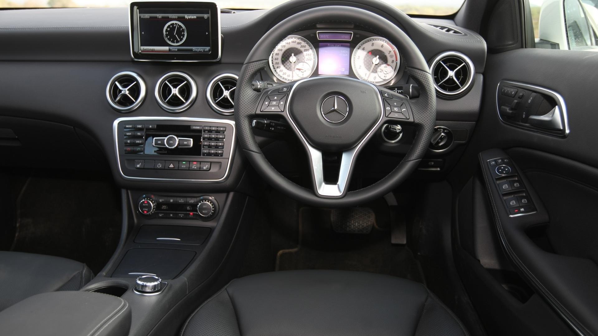 Mercedesbenz A180 Sport Interior Car Photos Overdrive