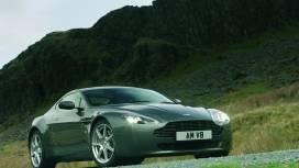 Aston Martin  Vantage V8 Exterior