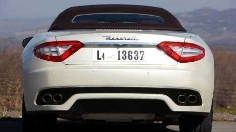 Maserati GranCabrio 2015 STD Comparo