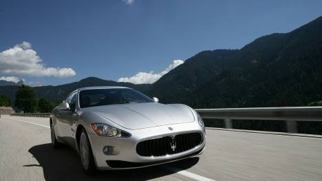 Maserati GranTurismo 2015 STD Comparo