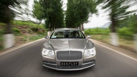 Bentley Flying Spur 2014 V8 Comparo