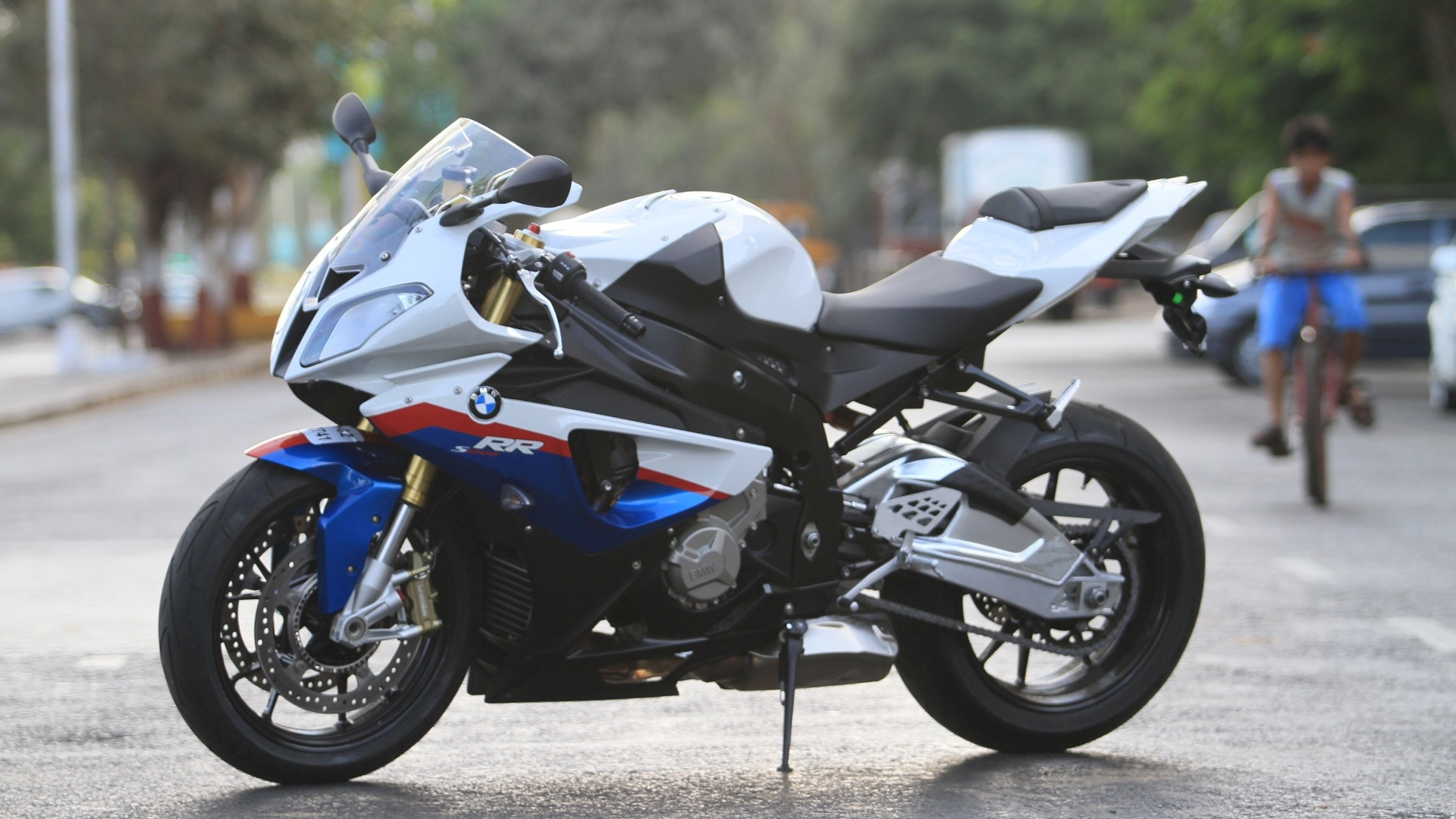 BMW S 1000 RR 2013 STD Price Mileage Reviews Specification