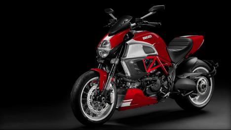 Ducati Diavel 2015 Titanium Exterior