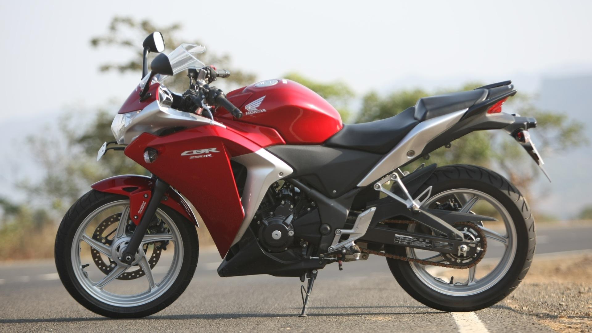 Honda cbr250r 2016 c abs price mileage reviews for Honda cbr250r top speed