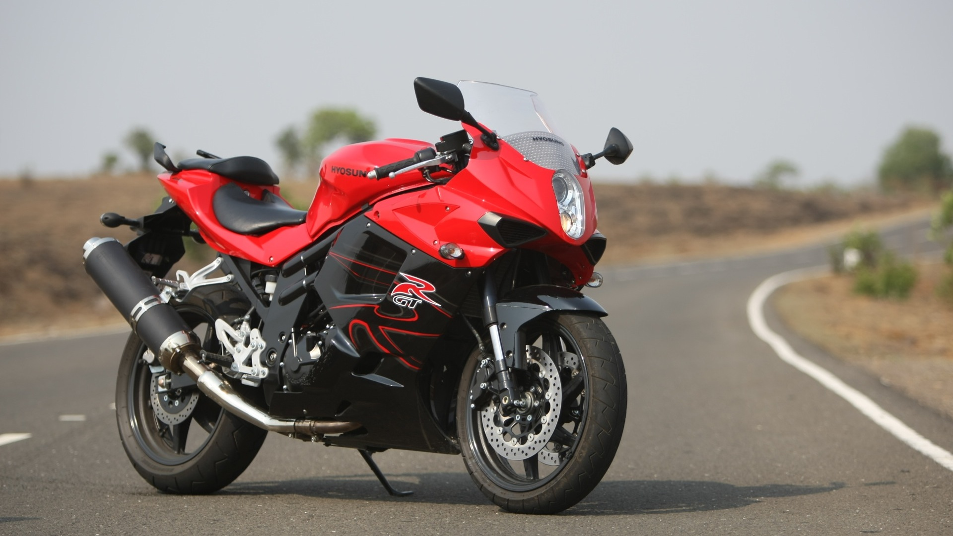 Hyosung Gt250r 2014 Std Price Mileage Reviews Specification Gallery Overdrive