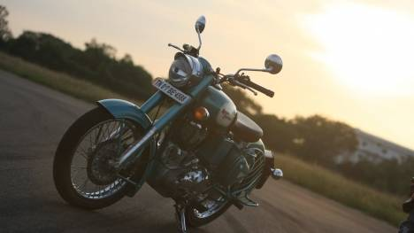 Royal Enfield Classic 500 2013 Battle Green Exterior