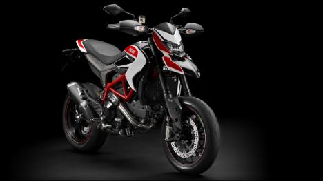 Ducati Hypermotard 821 2015 SP Comparo