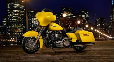 Harley-Davidson Street Glide 2015 Special Comparo