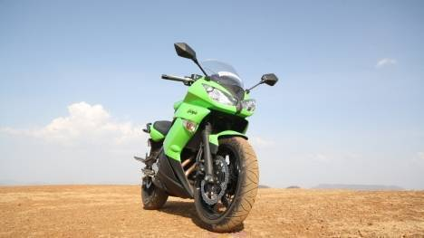 Kawasaki Ninja 650 2017 Std Comparo
