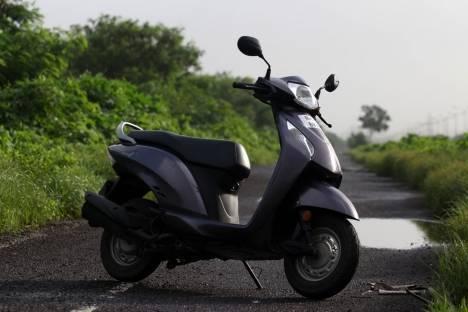 Honda Activa i 2016 DLX Comparo