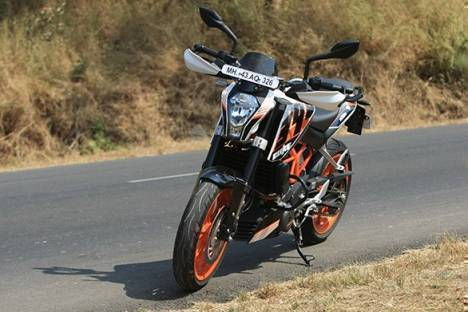 KTM 390 Duke 2017 STD Comparo
