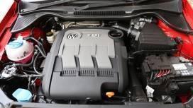 Volkswagen Cross Polo 2015 Interior