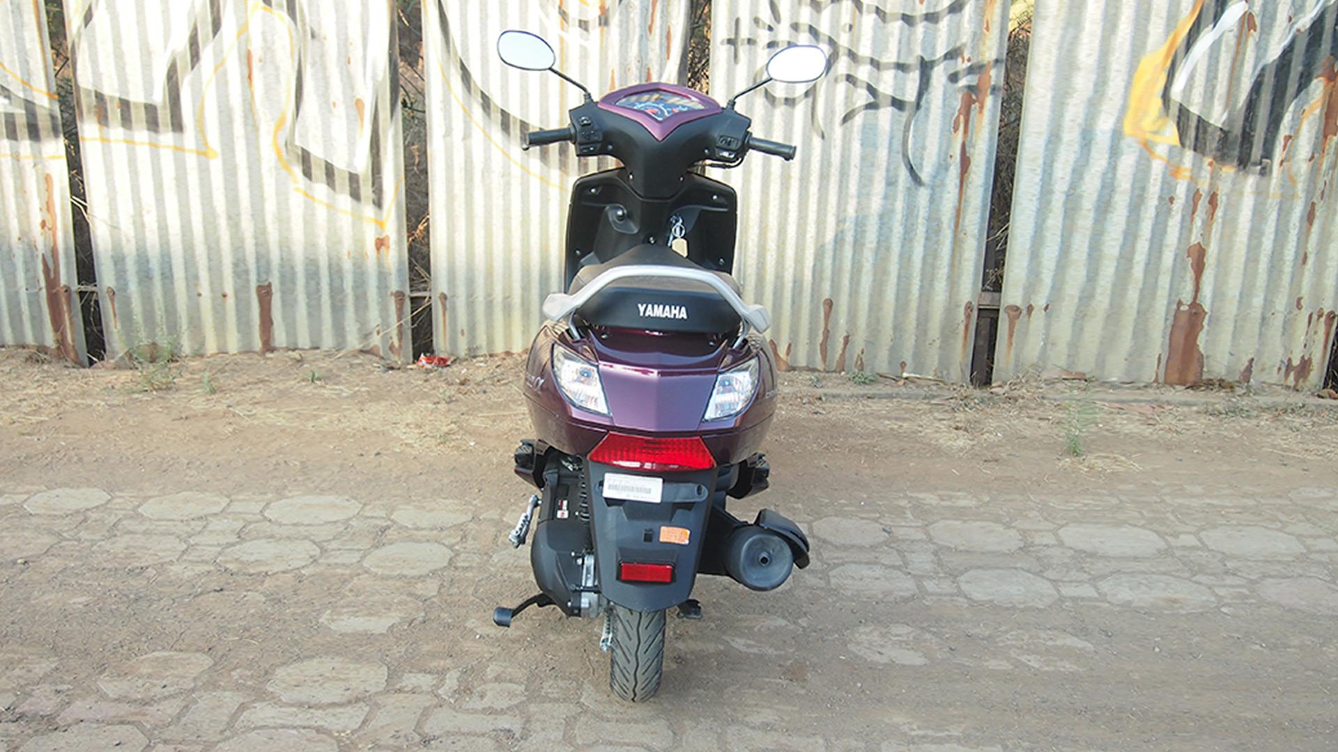 Yamaha Alpha Scooter 2014 STD Compare