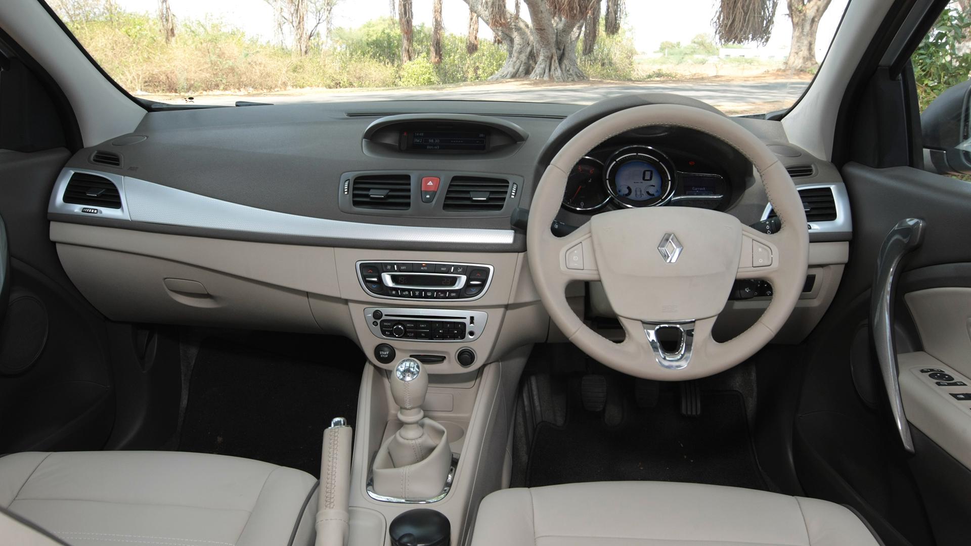 Renault Fluence e4 2014 Diesel Exterior