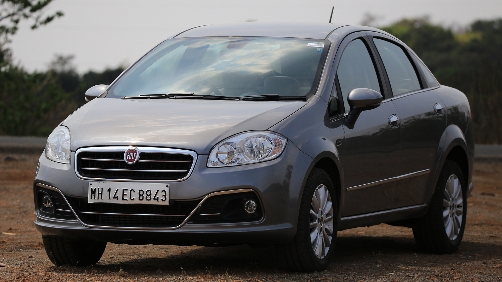 fiat linea 2014 price mileage reviews specification gallery overdrive. Black Bedroom Furniture Sets. Home Design Ideas
