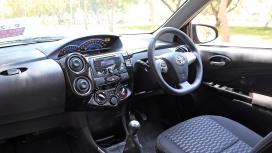 Toyota-Etios-Cross-2014 Interior