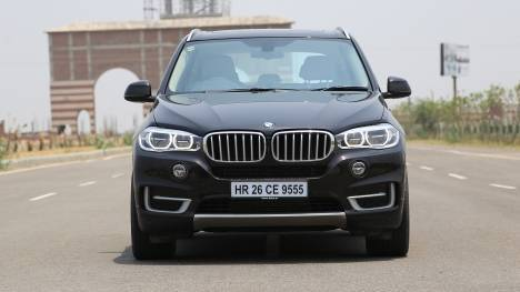 BMW X5 2017 xDrive35i Design Pure Experience Comparo
