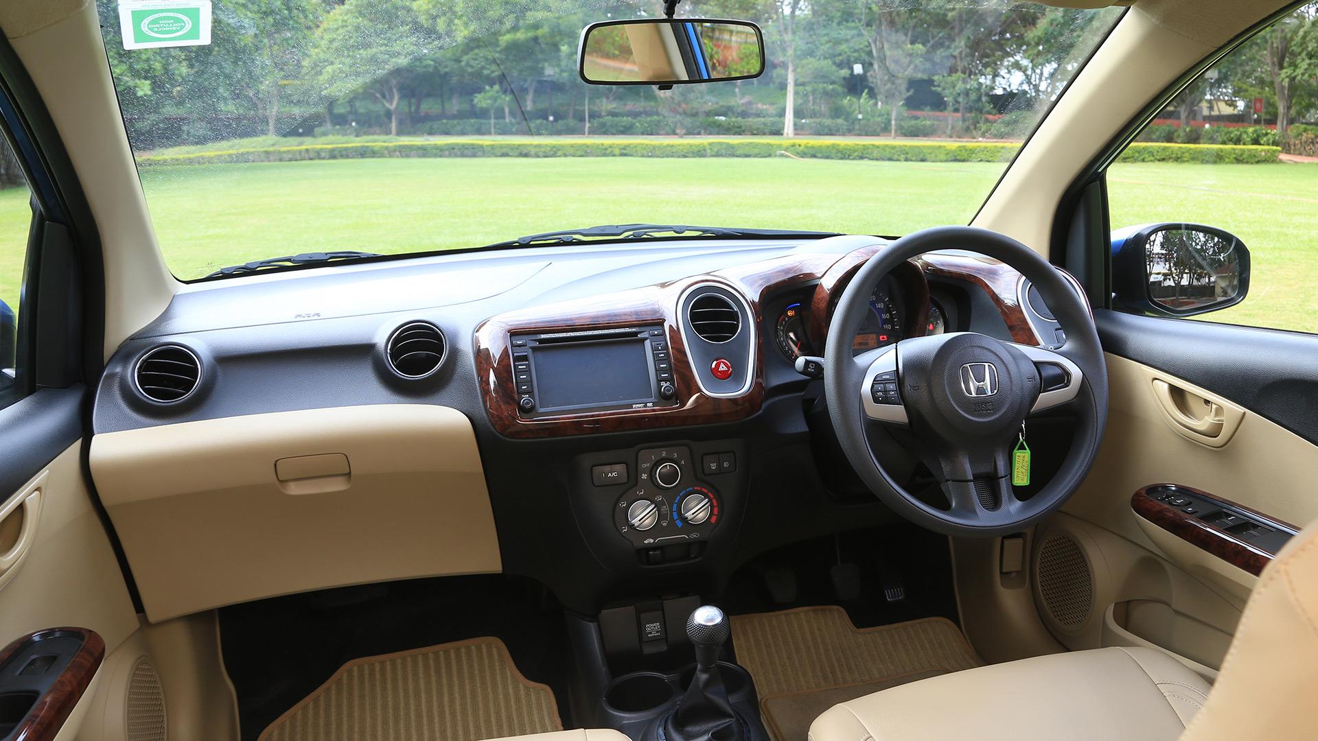Honda-Mobilio-2014 Exterior