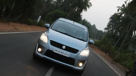 Maruti Suzuki Ertiga 2015 Vxi CNG Comparo