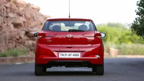 Hyundai Elite i20 2017 Asta Diesel Dual Tone Comparo