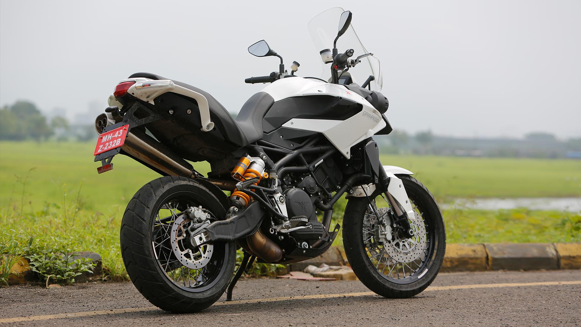Moto Morini Granpasso 1200 2014 Compare