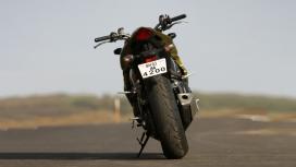 Honda CB 1000R 2013 Compare