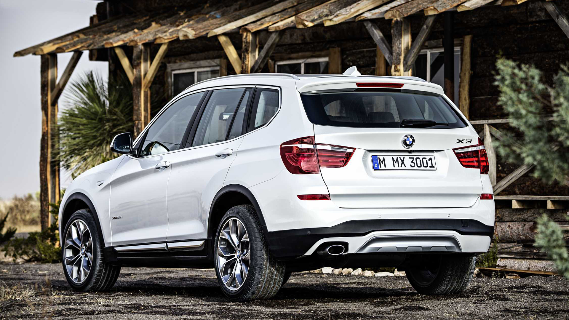 BMW x3 2014 xDrive 20d Expedition Compare