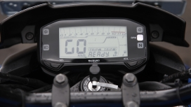 Suzuki Gixxer 2014 STD Compare