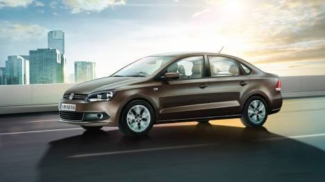 Volkswagen Vento 2015 Highline Petrol (AT)