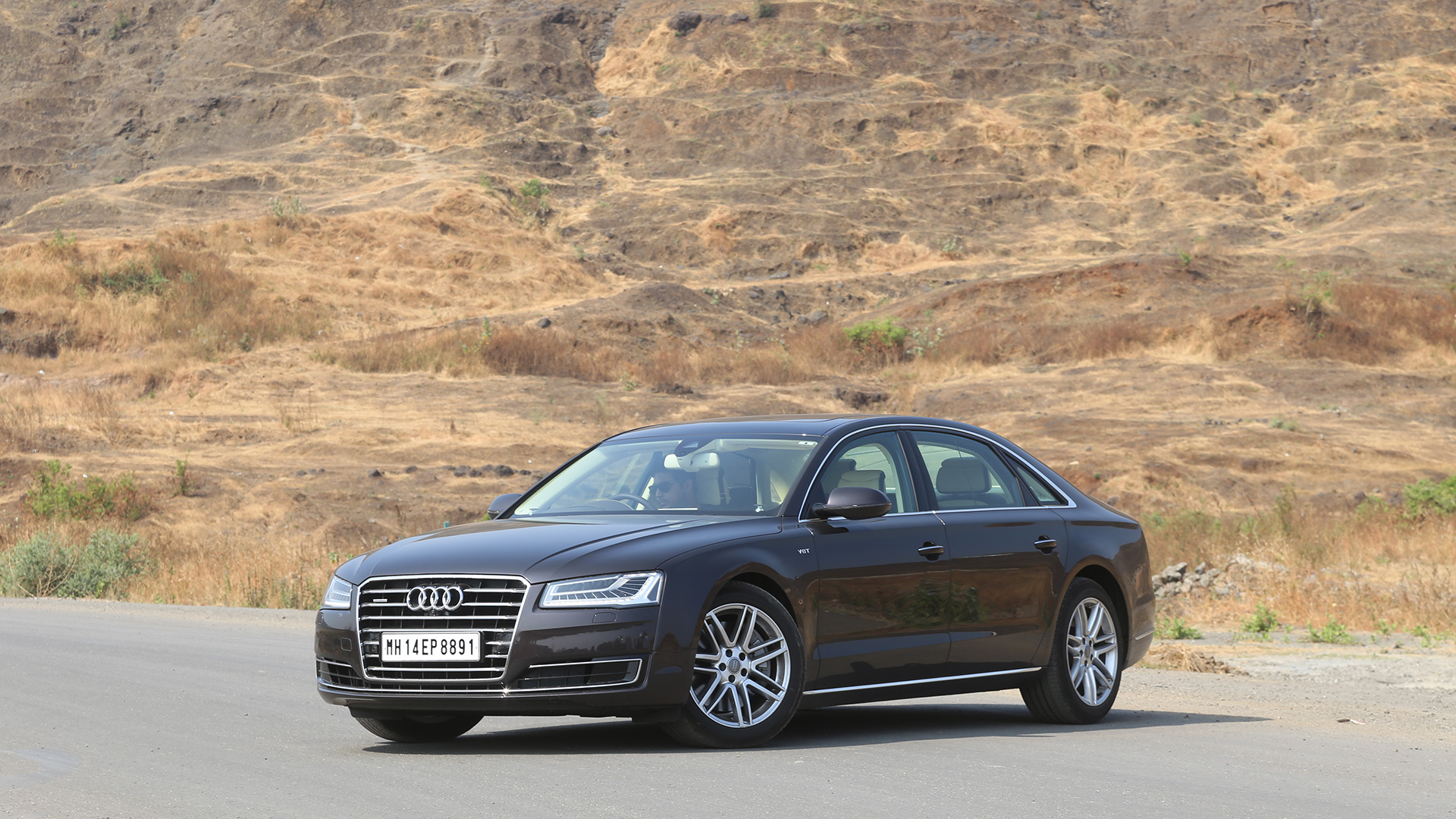 audi a8l 2016 l w12 fsi quattro price mileage reviews specification gallery overdrive. Black Bedroom Furniture Sets. Home Design Ideas
