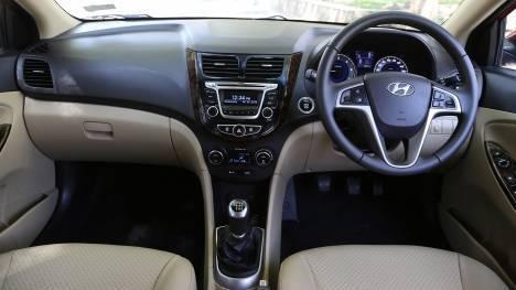 Hyundai 4S Fluidic Verna 2017 1.6 diesel Std Interior