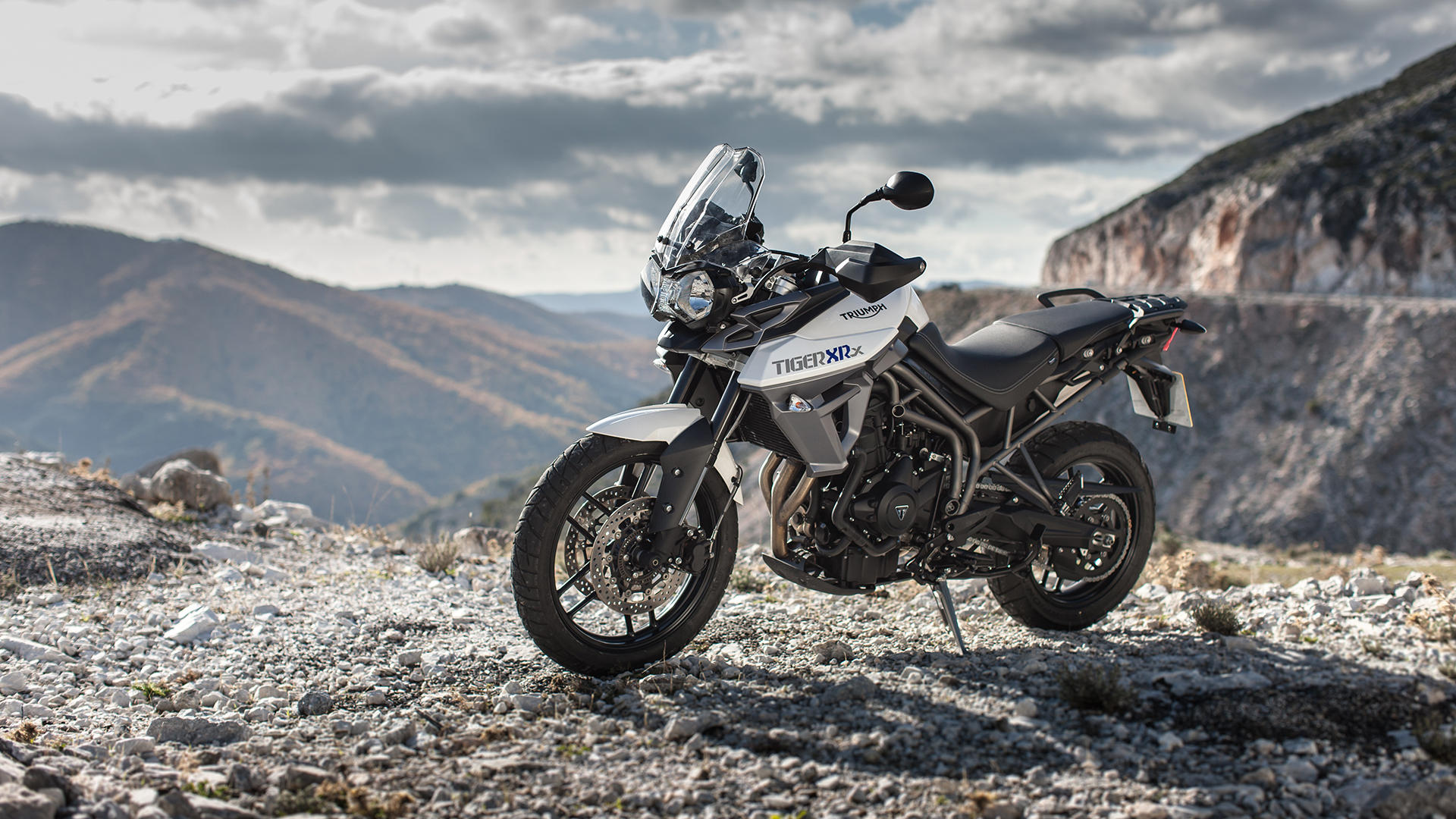 Triumph Tiger 800 2015 Xrx Price Mileage Reviews Specification Gallery Overdrive
