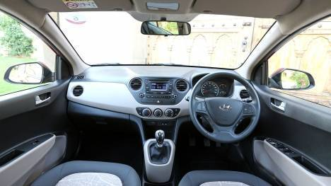 hyundai i10 2015 model interior