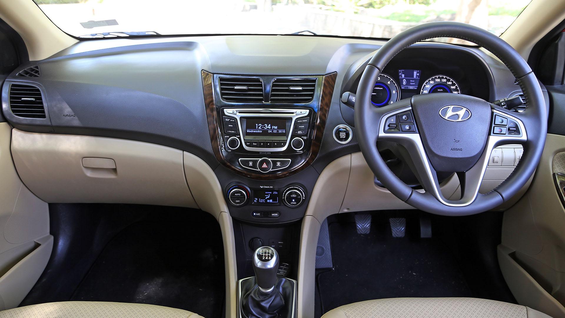 Hyundai 4S Fluidic Verna 2015 16 SX Diesel