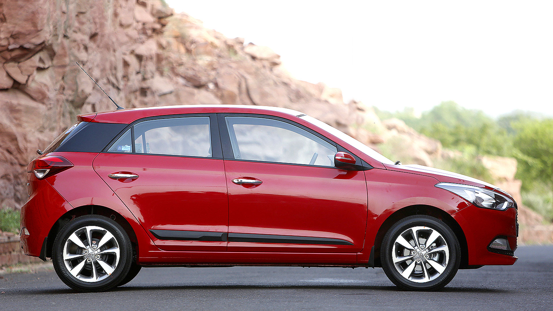 Hyundai elite i20 2017 price mileage reviews for I20 asta o interior