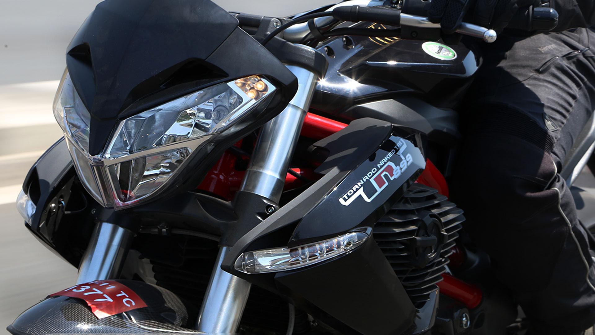 Benelli TNT 899 2015 STD