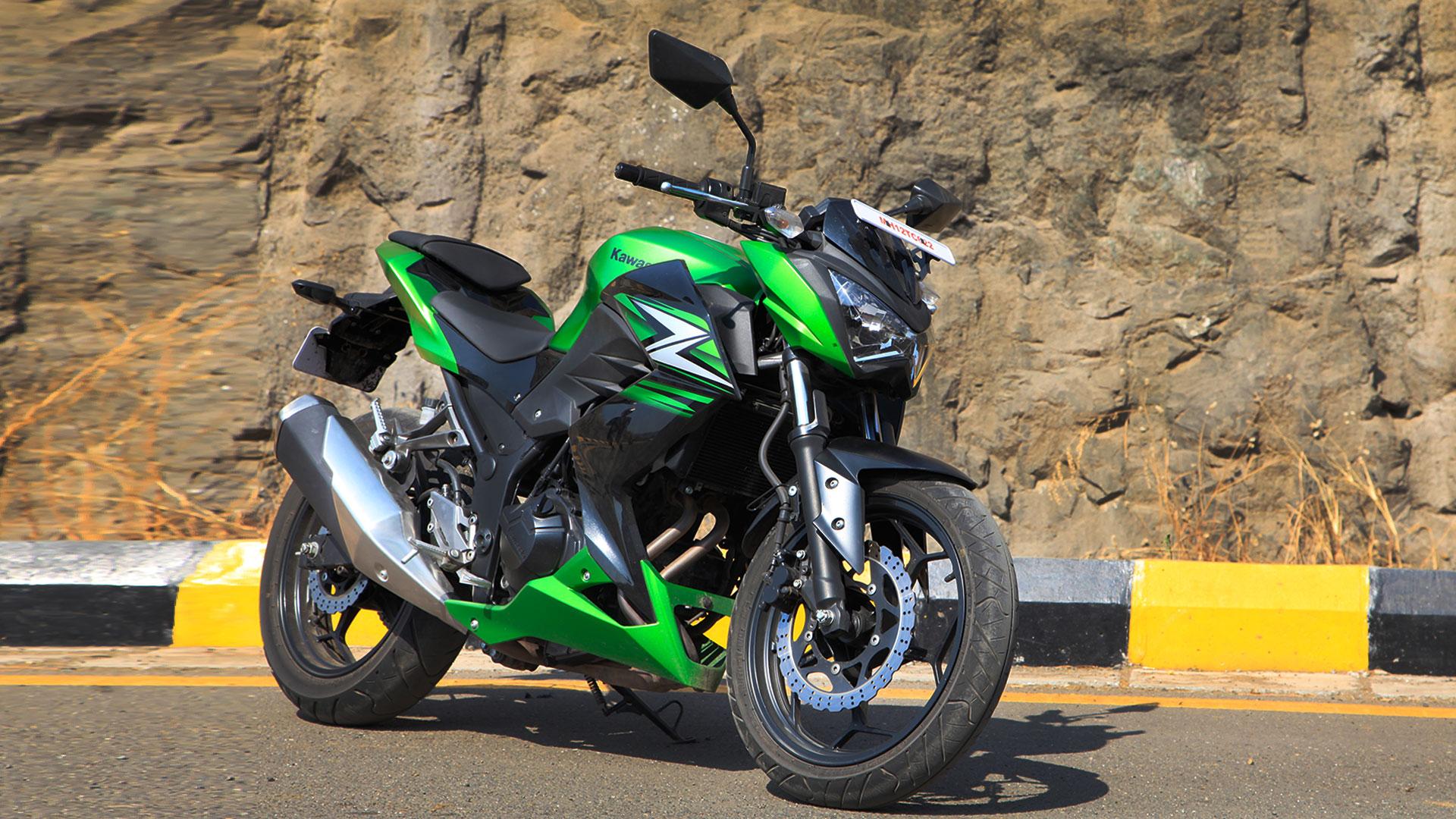 Kawasaki Z250 2014 STD Compare